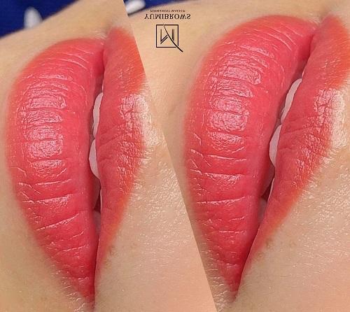 phun môi màu cam đào