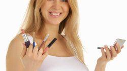 Bà bầu có nên phun môi không?