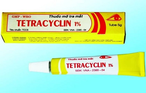 Loại thuốc mỡ được khuyến cáo sử dụng là Tetracyclin vì an toàn cho cơ thể