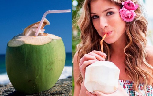 Nước dừa rất tốt cho những người mới thực hiện phun môi xong.